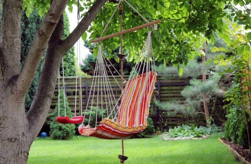 Можно ли сделать летний отпуск еще более комфортным с гамаком?