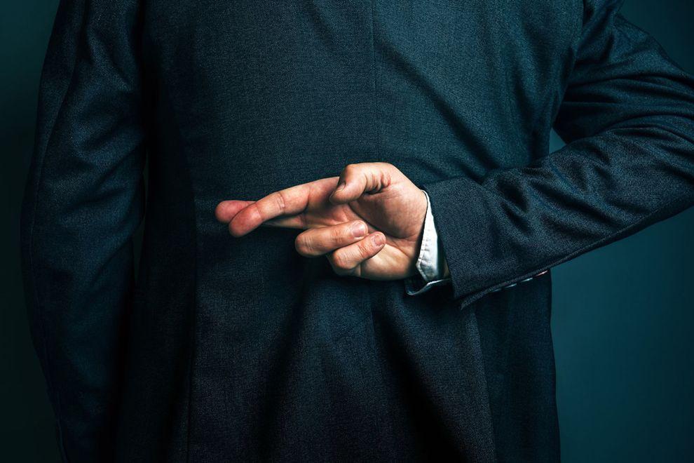 Почему мужчины лгут на первом свидании?