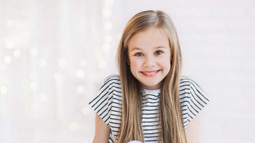 Наиболее подходящие цвета при выборе детской одежды для девочки
