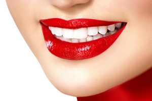 Как сохранить зубы белыми