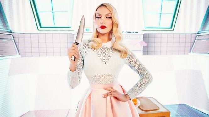 Оля Полякова похвасталась фигурой в белом бикини