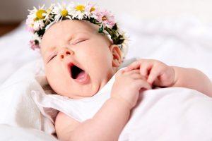 Идем в гости к новорожденному: правила и советы