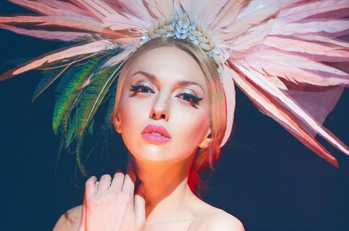 Украинская Барби: Оля Полякова очаровала фигурой в розовом купальнике