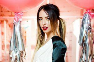 Надя Дорофеева удивила короткой стрижкой