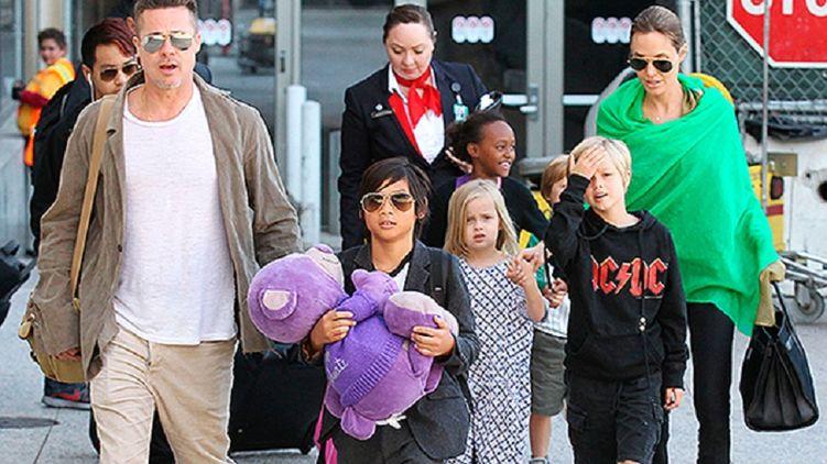 Брэд Питт проведет День благодарения с детьми и Анджелиной Джоли