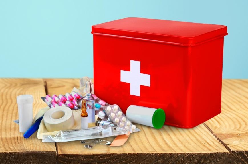 6 обязательных вещей, которые нужно иметь в домашней аптечке