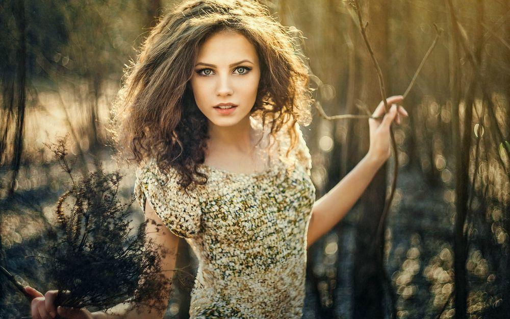 5 советов о том, как носить одежду с блестками