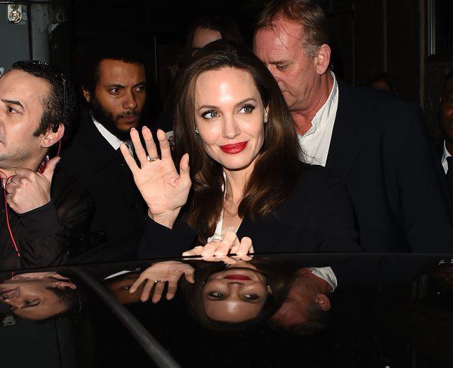 Анджелина Джоли очаровала элегантным образом