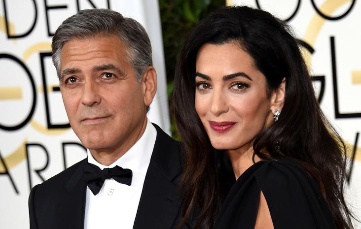 Амаль Клуни впервые, не таясь, вышла в свет с детьми