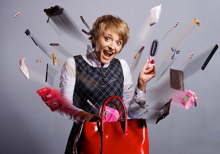 7 компактных вещей, которые каждая женщина должна иметь в своей сумочке