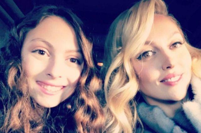 По маминым стопам: 13-летняя дочь Оли Поляковой показала фото в бикини