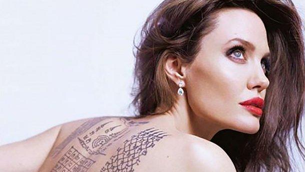 Анджелина Джоли никак не может уйти из кино