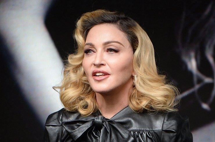Мадонна шокировала обезображенным после пластики лицом