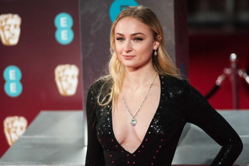 Звезда «Игры престолов» призналась, что на съемках ей запрещали мыть голову