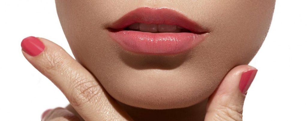 Действенные способы сделать тонкие губы более объемными