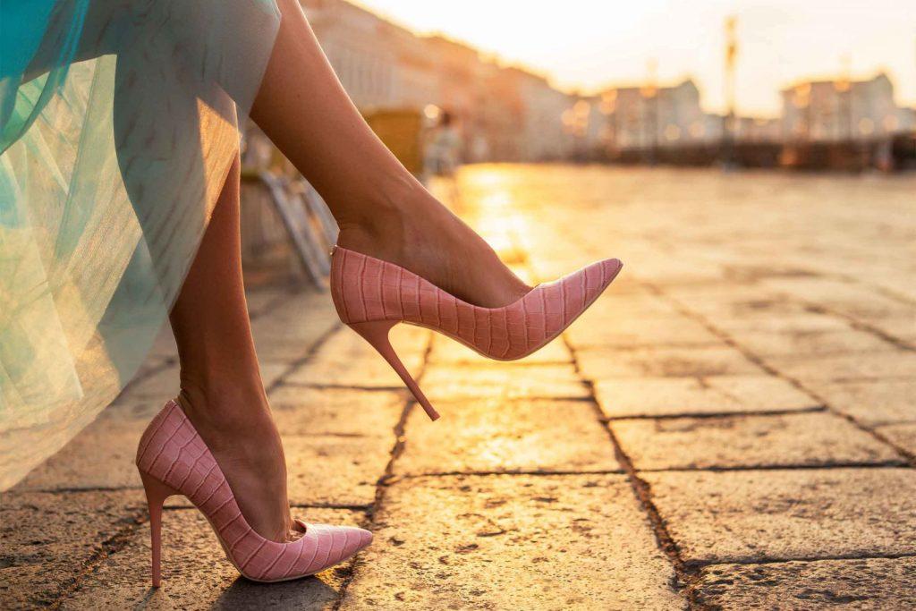 Невероятно: обувь на каблуках полезно носить