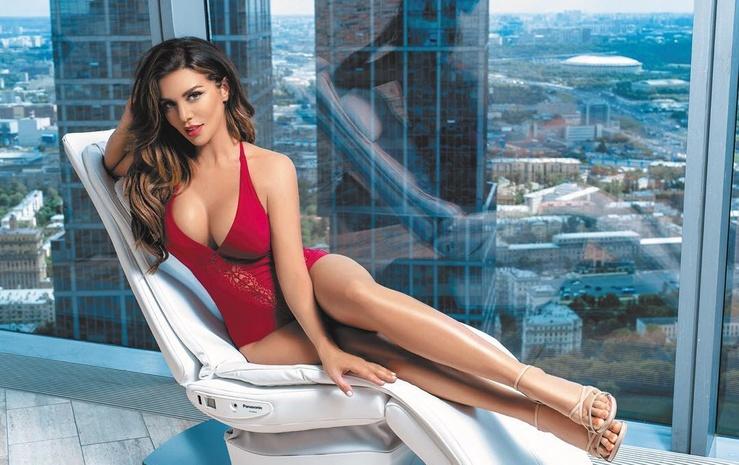 Анну Седокову раскритиковали за новое фото в купальнике