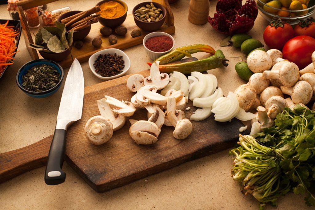 Как быстро и легко приготовить салат?