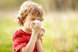 Почему насморк в детском возрасте является частым симптомом?