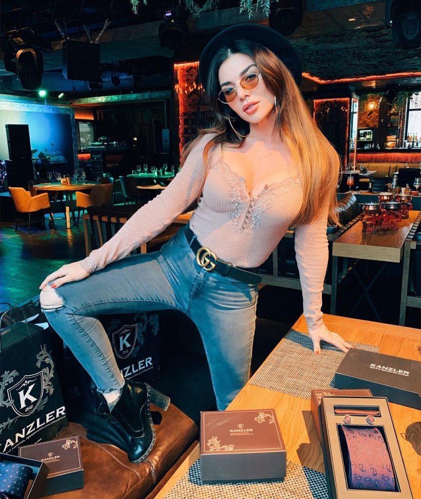 Анна Седокова дала совет, что подарить парню на 23 февраля