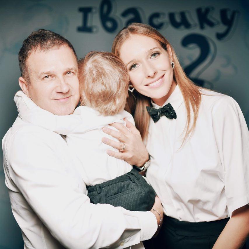 Юрий Горбунов иКатя Осадчая трогательно поздравили сына708