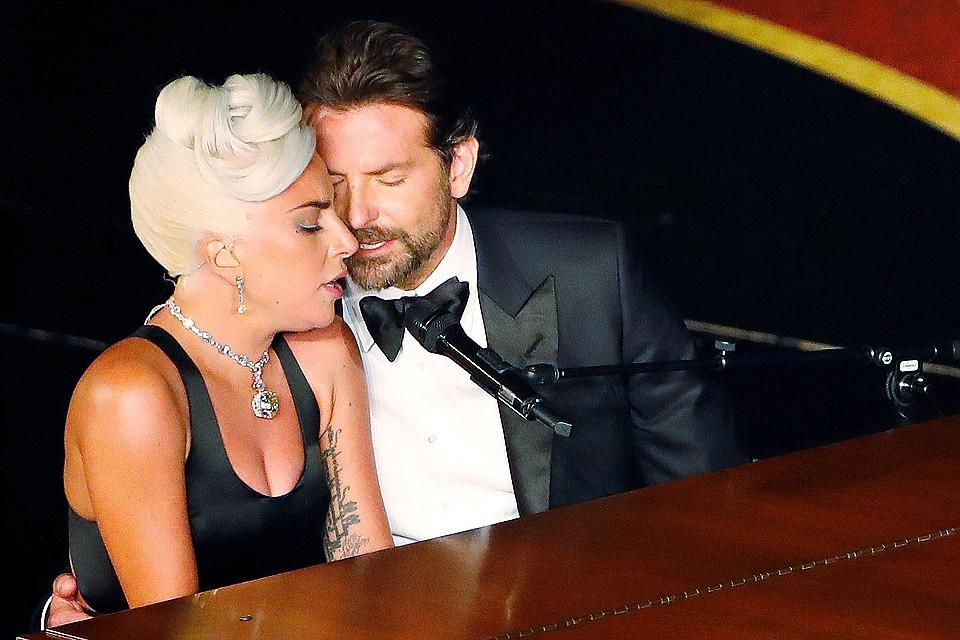 Леди Гага впервые прокомментировала слухи о романе с Брэдли Купером