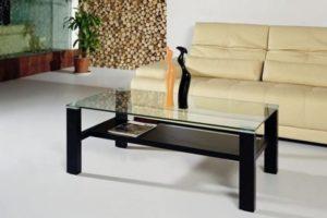 Журнальный столик со стеклянной столешницей — изюминка любого интерьера