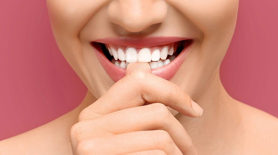 Вредные привычки, которые разрушают зубы