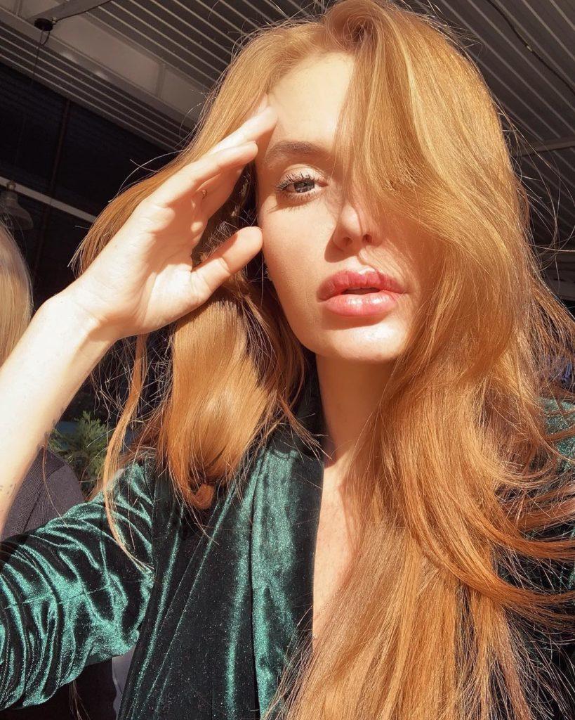 Слава Каминская стала главной героиней свежего номера «Добрые советы»