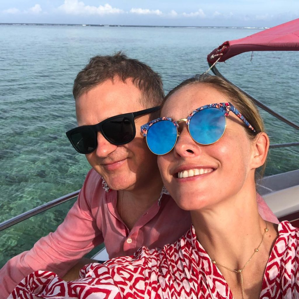 Влюбленные и счастливые: Катя Осадчая и Юрий Горбунов отправились в долгожданный отпуск