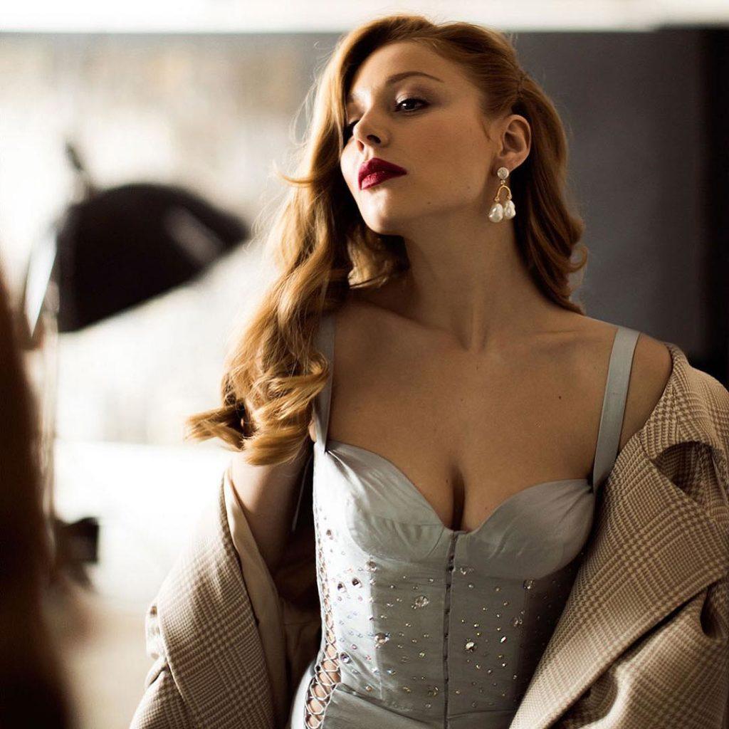Little black dress: Тина Кароль продемонстрировала роскошный образ