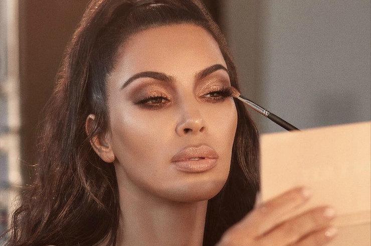 Богатые тоже плачут: болезнь уродует лицо Ким Кардашьян
