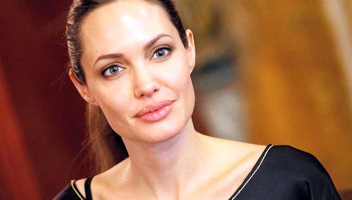 Анджелина Джоли сыграет бессмертную колдунью в фильме по ... анджелина джоли кинопоиск