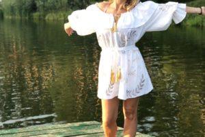 Лилия Ребрик показывает, как выглядит идеальный купальник на лето