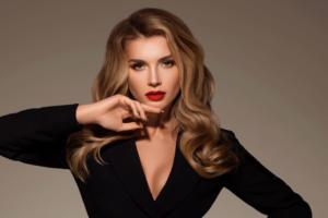 Миша Романова анонсировала выход дебютного клипа