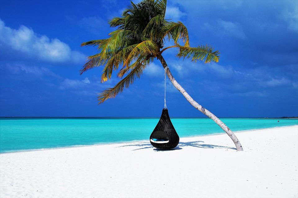Пляжная мода: какие купальники предпочитают украинские звезды