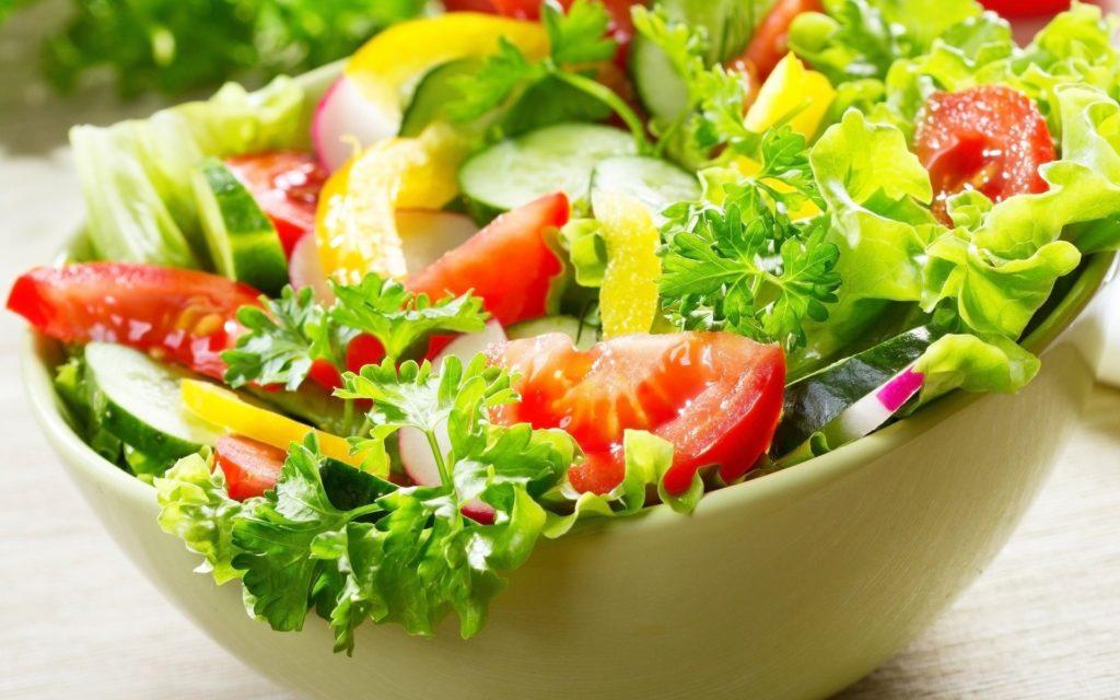 Для здорового сердца — салат из свежих овощей