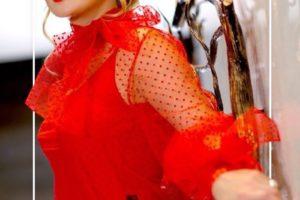 «Вау!»: Камалия восхитила сеть роскошным платьем