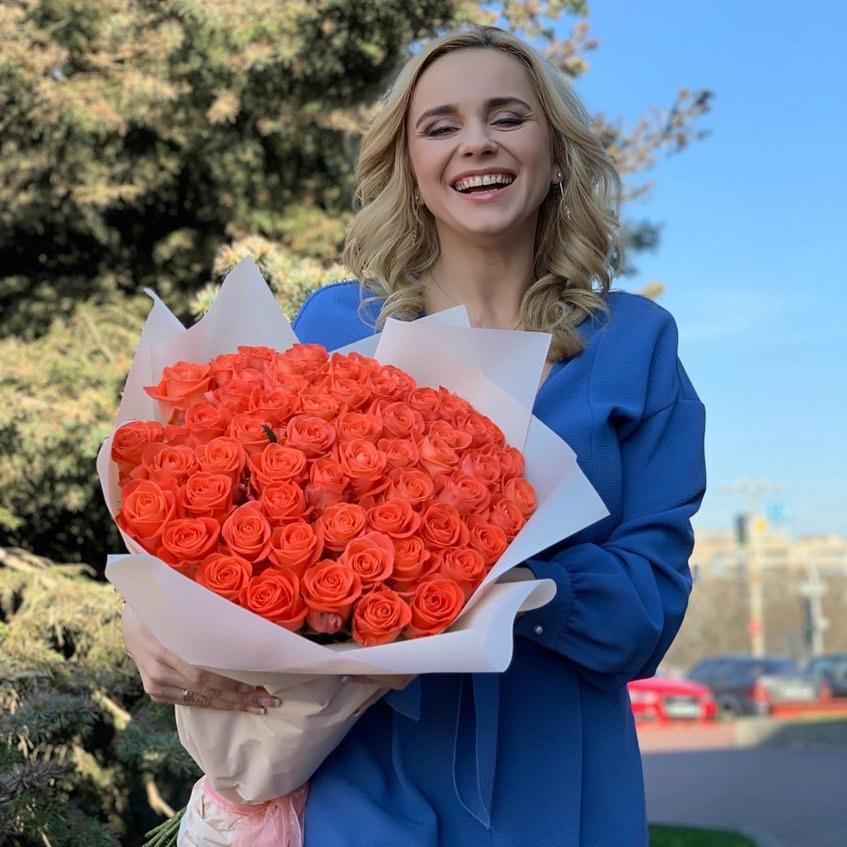 Lady in red: Лилия Ребрик примерила главный тренд этой весны