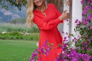 Ирина Федишин восхитила поклонников стройной фигурой