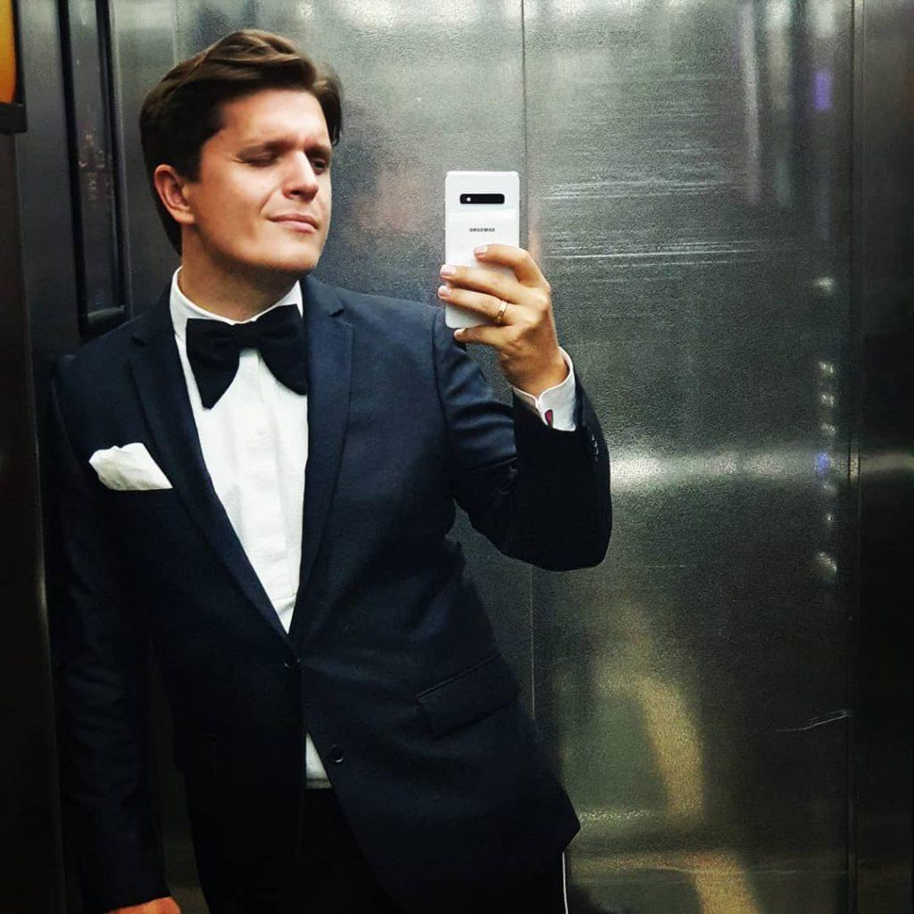 «Искренне желаю вам скорее закрыться»: Анатолий Анатолич раскритиковал Международные авиалинии Украины