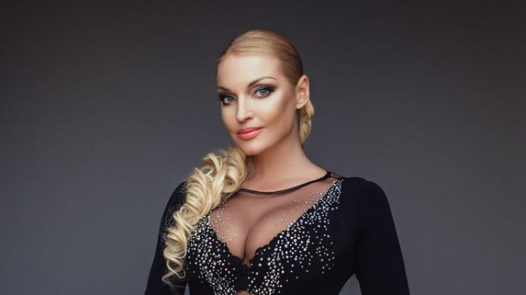 Анастасия Волочкова стала продавщицей в магазине продуктов