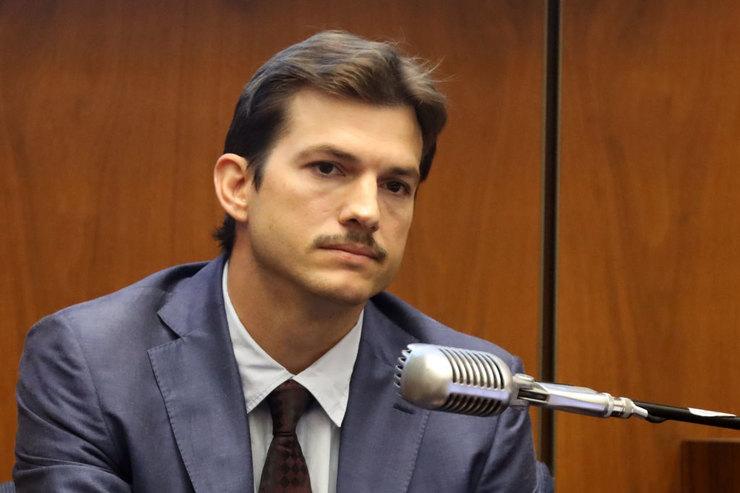 Эштон Кутчер свидетельствовал в деле об убийстве бывшей девушки