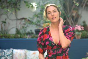 Мерьем Узерли засветила голые ягодицы в прозрачном платье на красной дорожке
