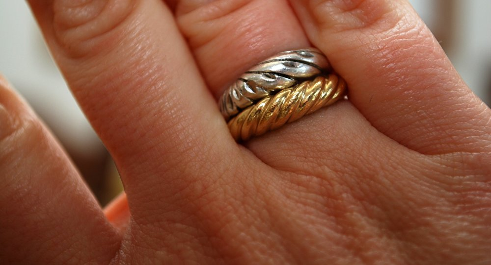 Полезные советы: как выбрать золотые украшения