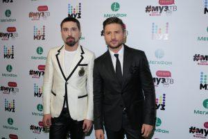 «Настоящая мужская дружба»: в сети высмеяли нежности Лазарева и Билана