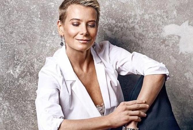 Юлия Высоцкая показала снимок без макияжа