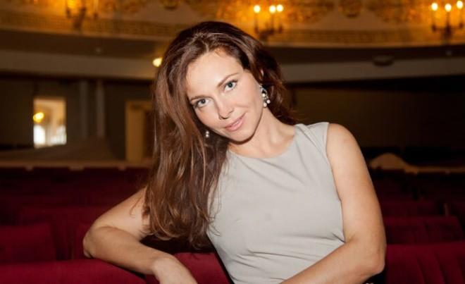 Ольга Гусева очаровала поклонников королевским нарядом