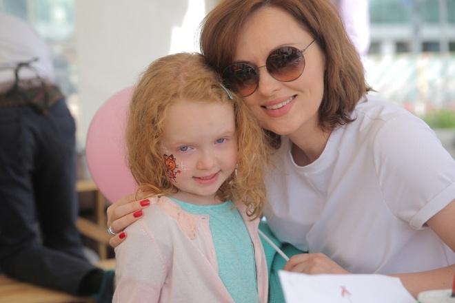 8-летняя дочь Елены Ксенофонтовой зарегистрировалась в instagram