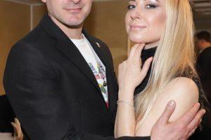 Семейная идиллия: Тоня Матвиенко вместе с мужем Арсеном Мирзояном украсила обложку журнала «MODA на здоровье»